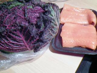 pacchetti di verza e salmone