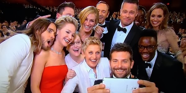 The Ellen selfie which broke the world record