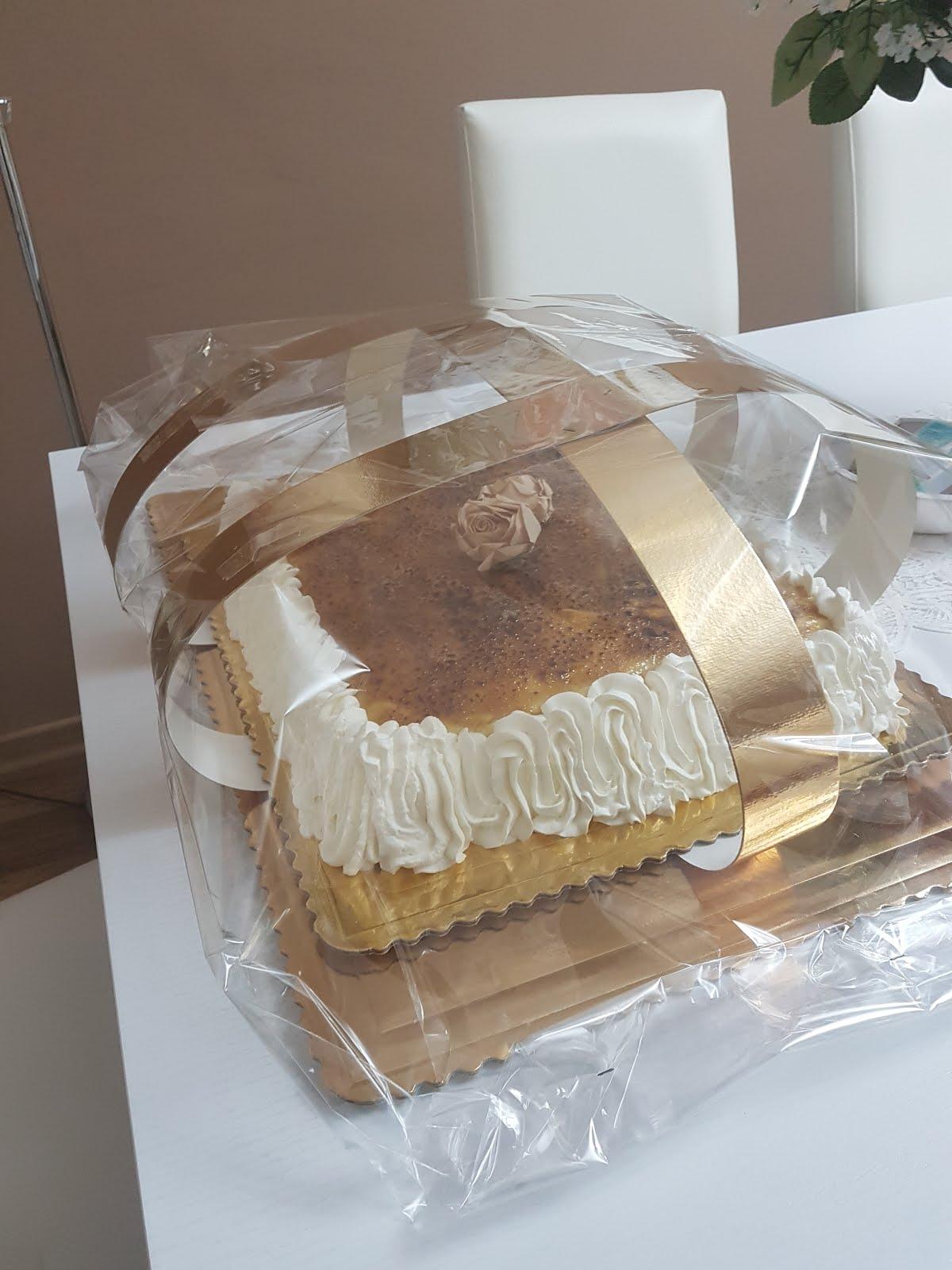 Crema bruciata su pan di spagna.