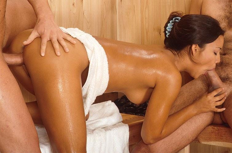 Интим массаж в парилке секс