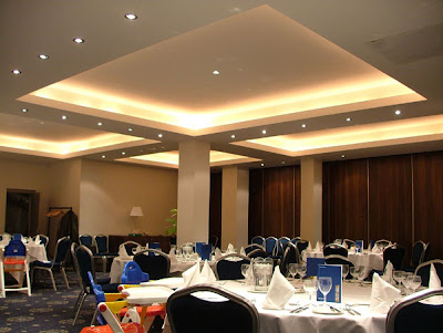 X-Flex Xenon Lighting System in a restaurant - concealed lighting