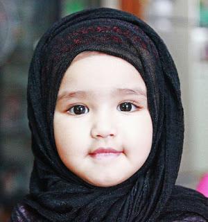 Cantiknya Anak Perempuan Ini Memakai Jilbab