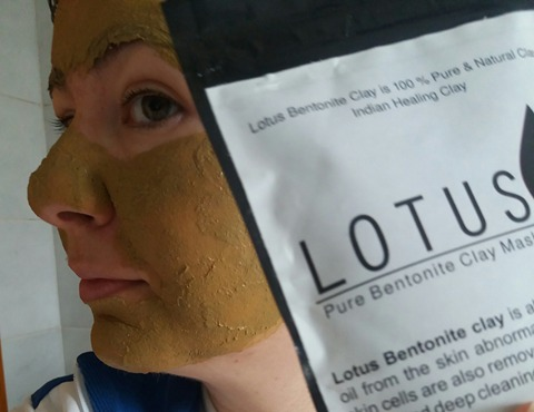 LOTUS PURE BENTONITE CLAY MASK