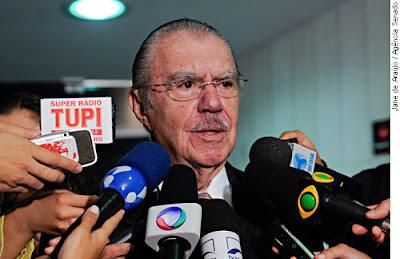 Senador Jose Sarney, recebe alta e deixa Hospital Sirio-Libanes.