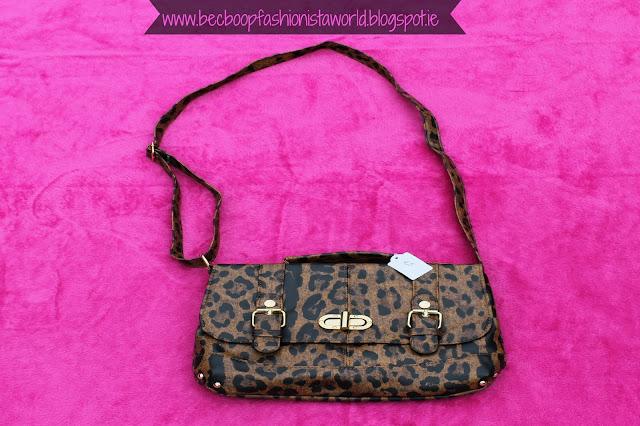 August Thrift Finds Pandoras Box Galway satchel bag
