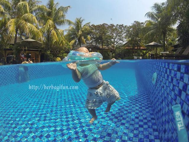 pool lombok garden  gg