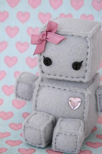The most wonderful felt robots!