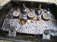δείγμα κινητήρα με ρύπανση από ξένα σωματίδια