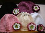 szydełkowe kolorowe czapki