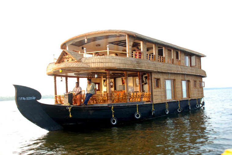 Three Bedroom Houseboat alleppey kerala