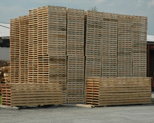 The Recycled Pallet Wood Is Cheap, And Very Handy To Use. The Companies  Dealing With This Type Of Recycling Are Located In The Urban Areas And  Nearby.