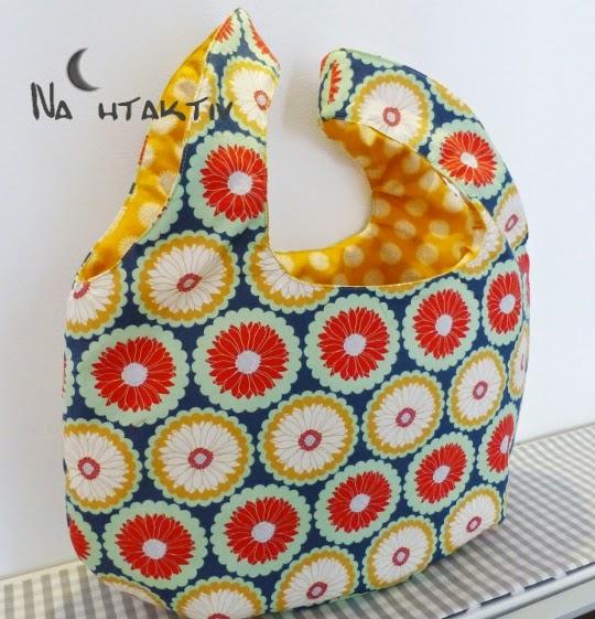 Art Gallery Fabrics Beutel Lieblingsteile selber nähen Riley Blake Tasche Henkel Innentasche Stoff Geschenk Badetasche Einkaufstasche Blumen Retro blau rot gelb mint