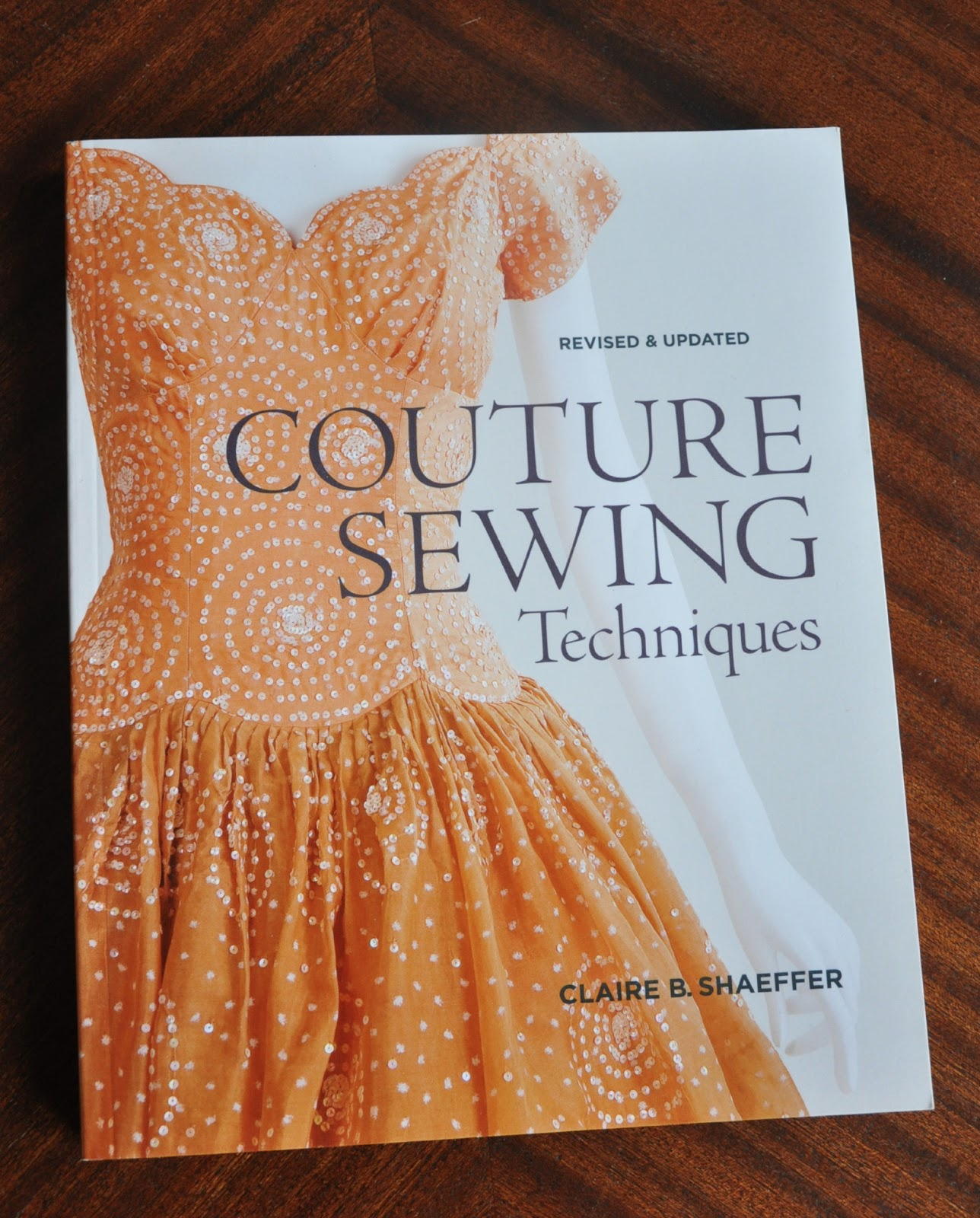Anneke caramin book review couture sewing techniques by