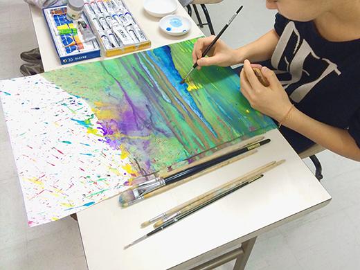 横浜美術学院の中学生教室 美術クラブ 絵の具課題「絵の具のシミから描写しよう!」6