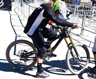 downhill bike, specialized mountain bikes, specialized status, crankworx 2013, crankworx whistler 2013, specialized downhill prototype bikes