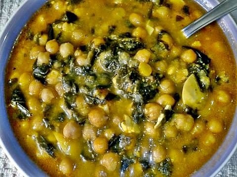 Potaje de garbanzos receta casera