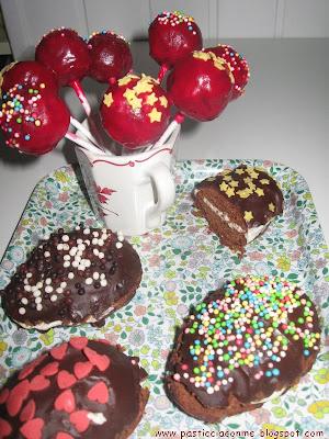 uova morbide di cioccolata e cake pops