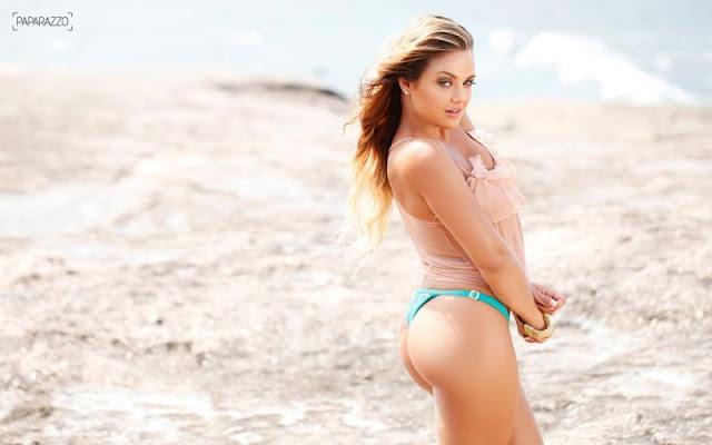Caren Souza pousa nua para a Paparazzo