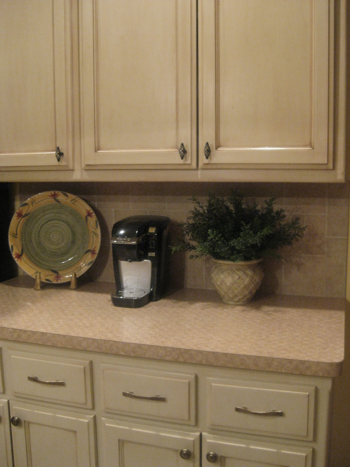 Kristen 39 s creations glazing painted kitchen cabinets Pictures of painted cabinets