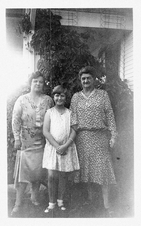 (Not So) Wordless Wednesday - Post 146: Gram, Mom and Nana