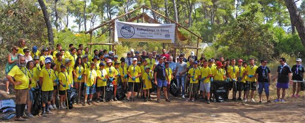 Εθελοντισμός στην πράξη στο δάσος της Ελαίας