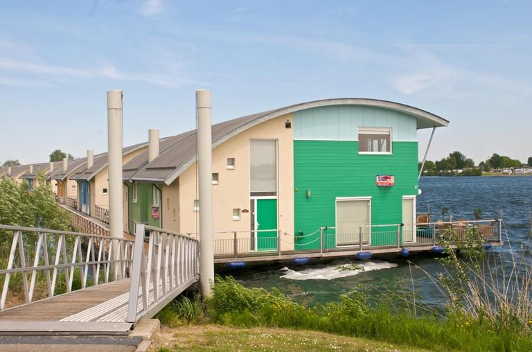 Eva rodr guez bra a las casas anfibias de holanda y la for Casas futuristas