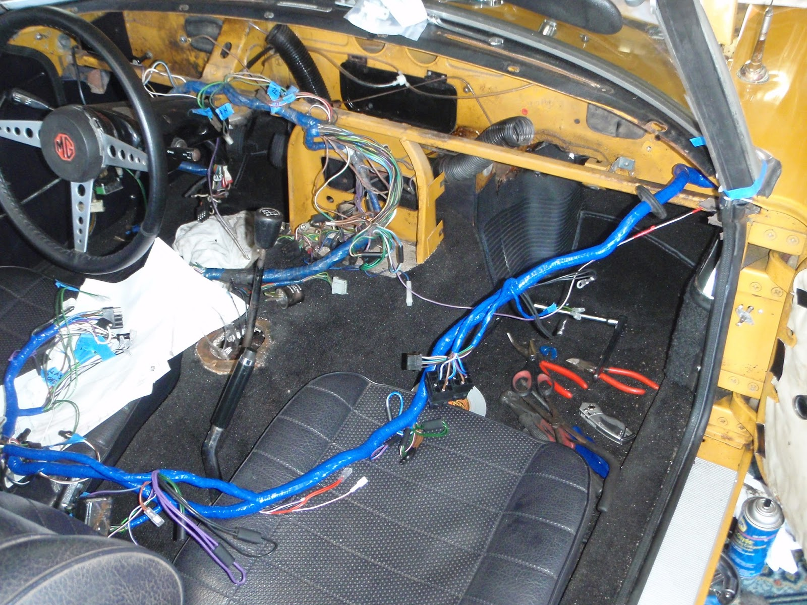 Mgb In The Garage 2013 Dashboard Wiring Harness New On Seat And Old Still Attached To Dash Supports