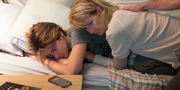 Shailene Woodley e Laura Dern em A CULPA É DAS ESTRELAS (The Fault in Our Stars)