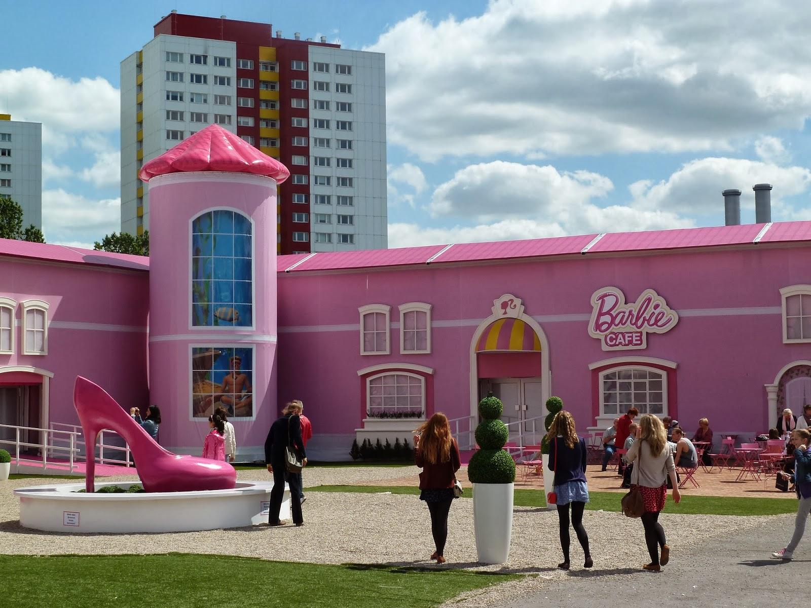 Auch, Wenn Das Barbie Dreamhouse Leider Nur In Berlin Gastiert Hat Und  Leider Dort Nicht Mehr Steht, Möchte Ich Euch Ein Paar Einblicke Nicht  Vorenthalten