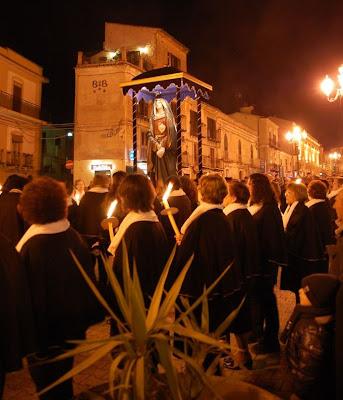 processione delle consorelle dell'Addolorata