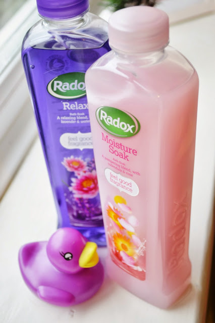 TLCu0026#39;s Last Minute Christmas Crackers Pt1 Radox Bath Therapy Gift Sets | That Lisa Clare