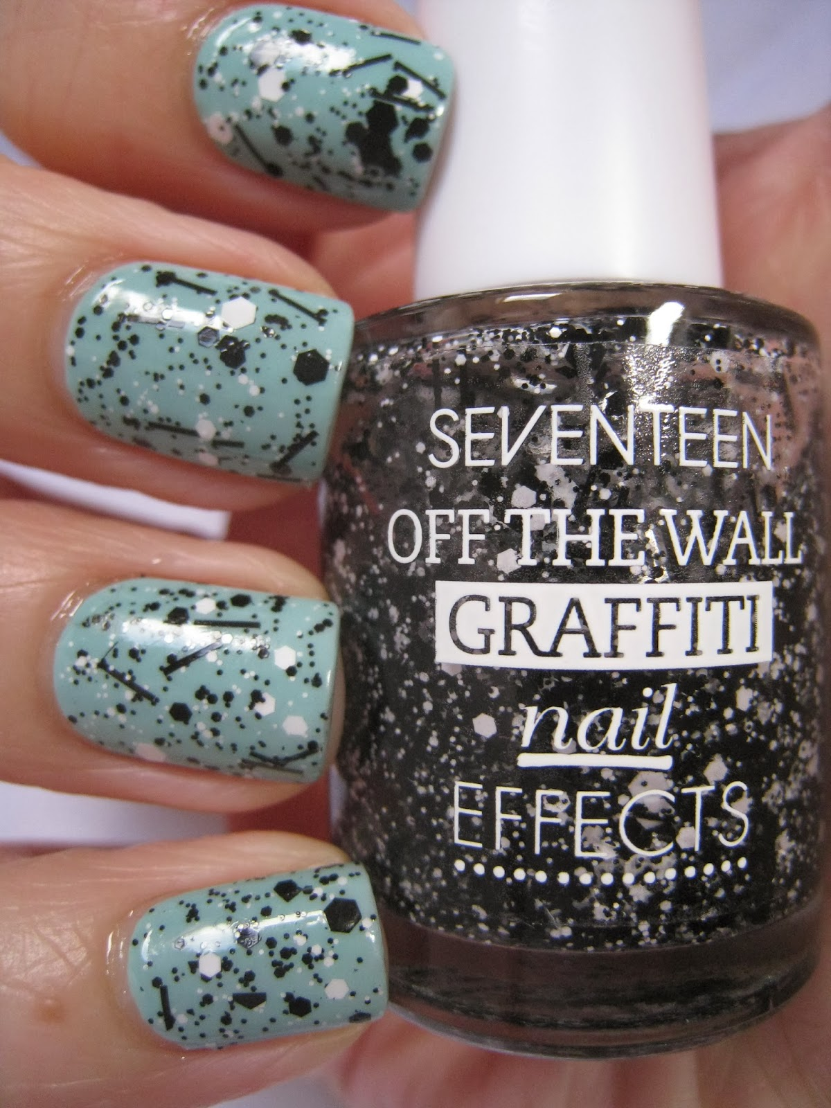 Seventeen-Mint-Choc-Chip-Monochrome-black-white-glitter