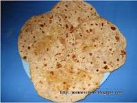 http://www.momrecipies.com/2008/05/bobbatlu-bhakshalu-puran-poli.html