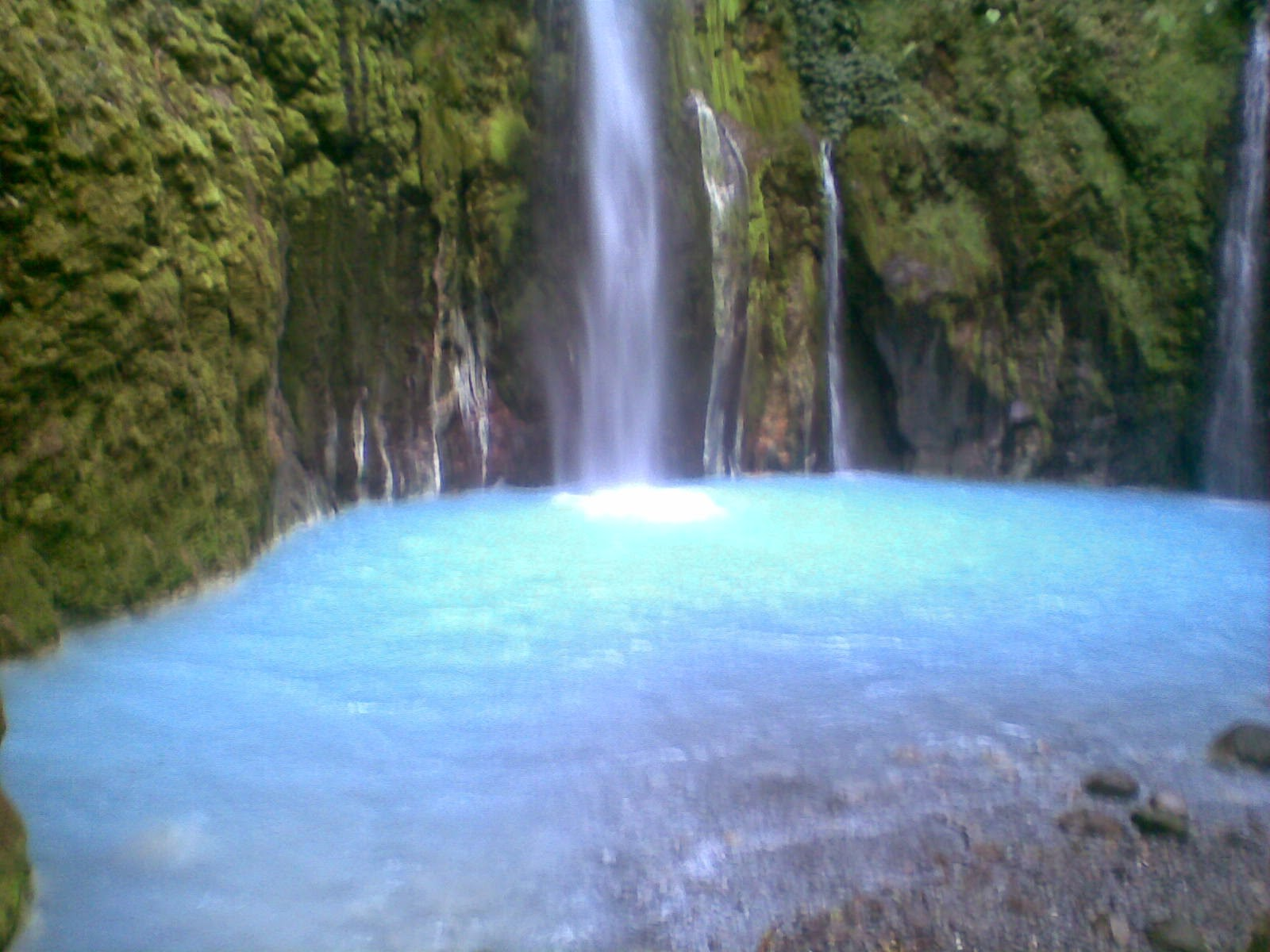 Air Terjun 2 Warna Sibolangit