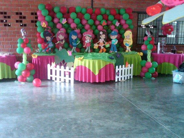 Decoración para fiesta de frutillita - Imagui