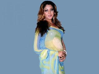 Tanushree Dutta Hairstyle Photo Gallery