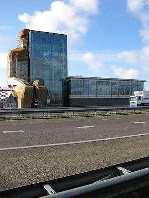 荷蘭 人體大廈 - 荷蘭的人體大廈之內部