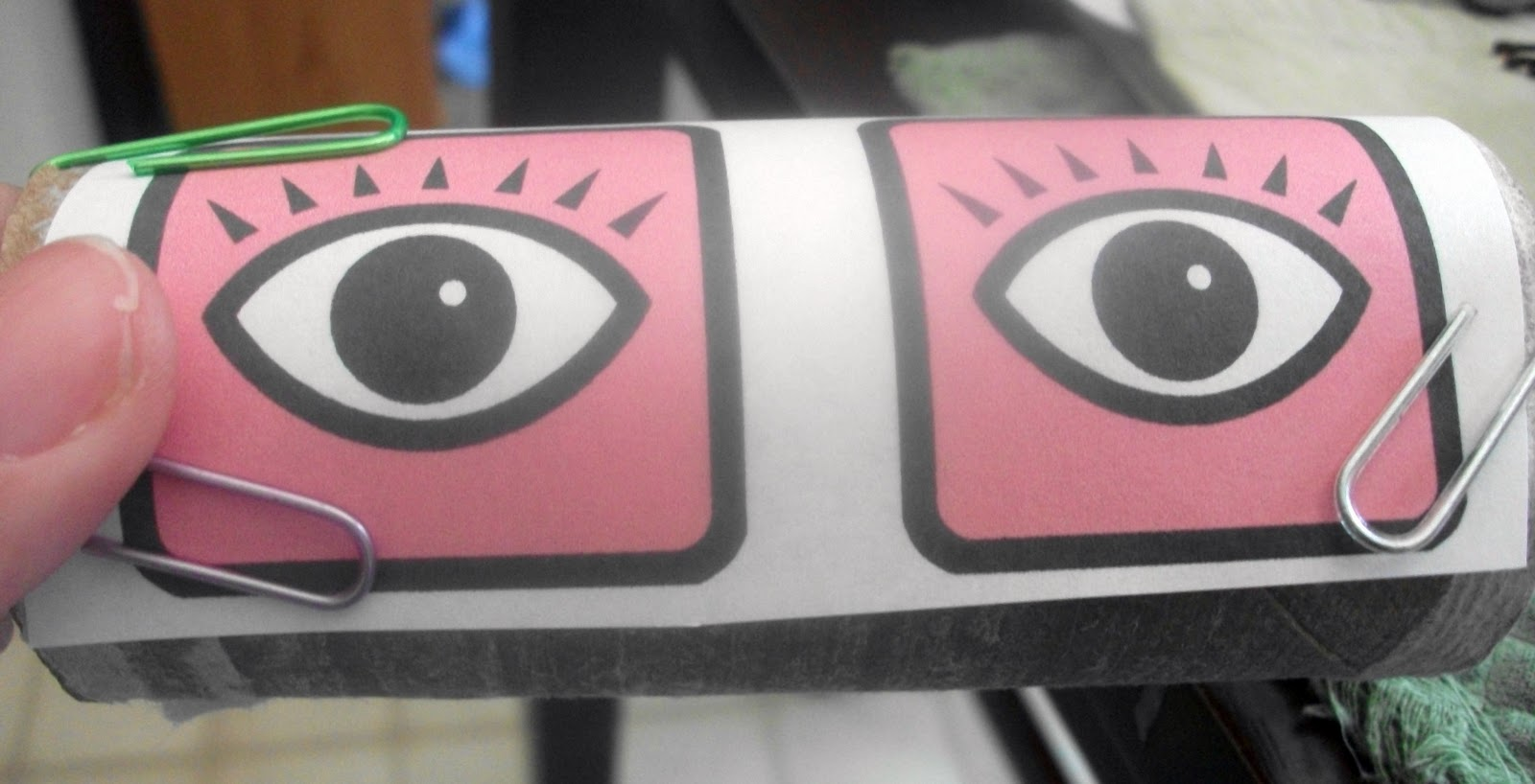 Thrifty crafty girl 31 days of halloween eyes in the bushes for Glow sticks in toilet paper rolls