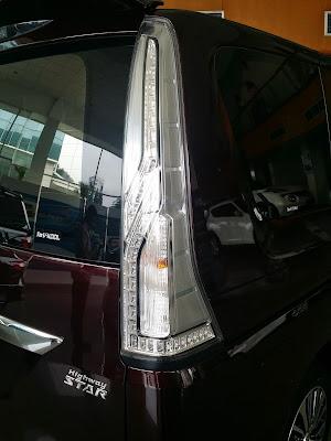 Eksterior Baru Lampu Belakang Nissan Serena Highway Star