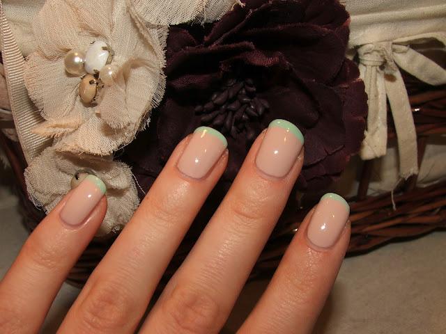 Essie Topless & Barefoot, Revlon Mint