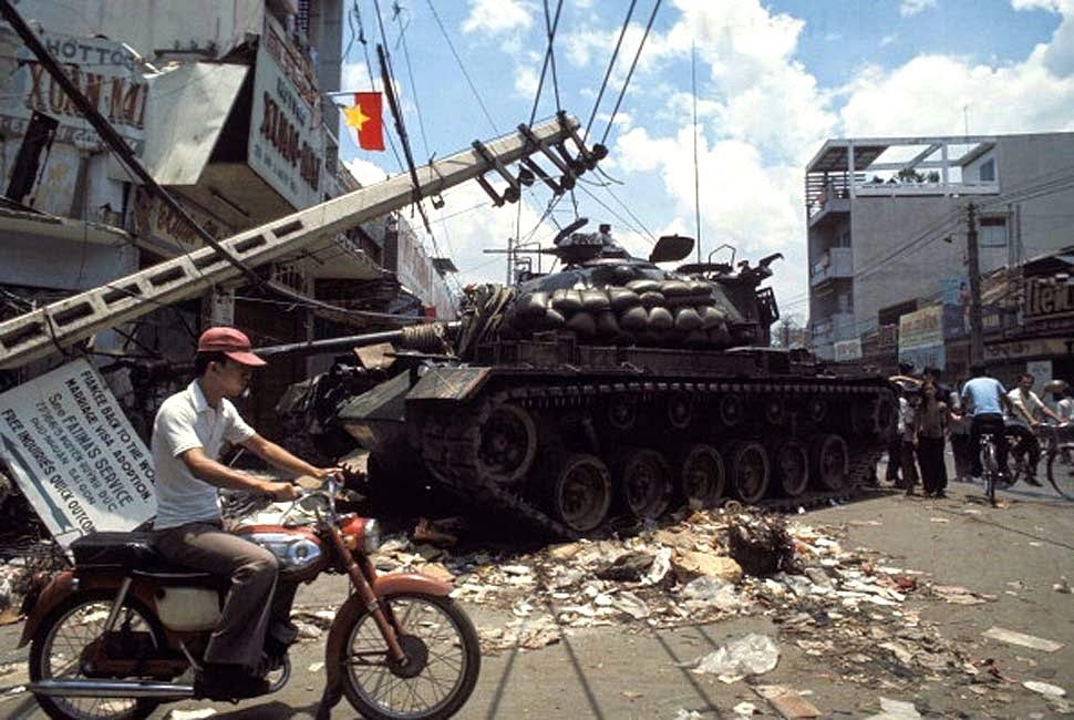 Vietnam War 1954-1975 The%2BFall%2Bof%2BSaigon,%2B1975%2B(67)