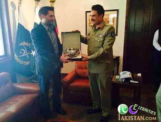 Shahid Khan Afridi Meets COAS General Raheel Sharif