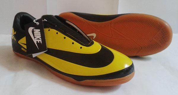 Review Sepatu Olahraga: Gambar Sepatu Futsal Nike Hypervenom