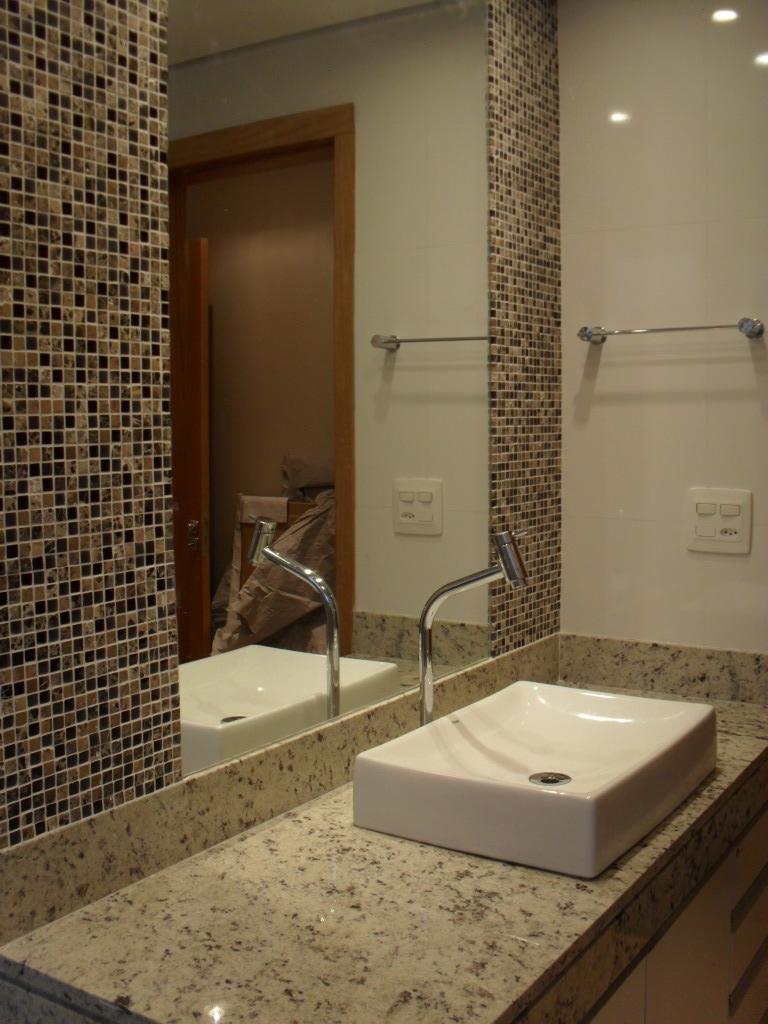 Gabrielle Otto  Arquitetura  Interiores  Iluminação Março 2012 -> Banheiros Com Pastilhas Na Horizontal
