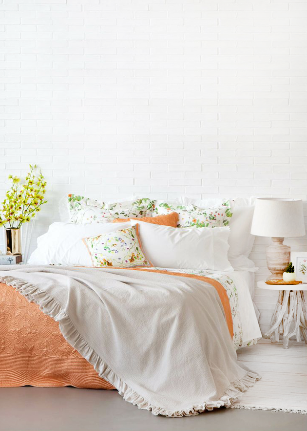 Chicdeco blog soft summer bedrooms in peach and white for Zara home bedroom ideas