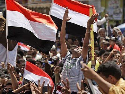 Yemeni Protesters Celebrate Saleh's Ouster