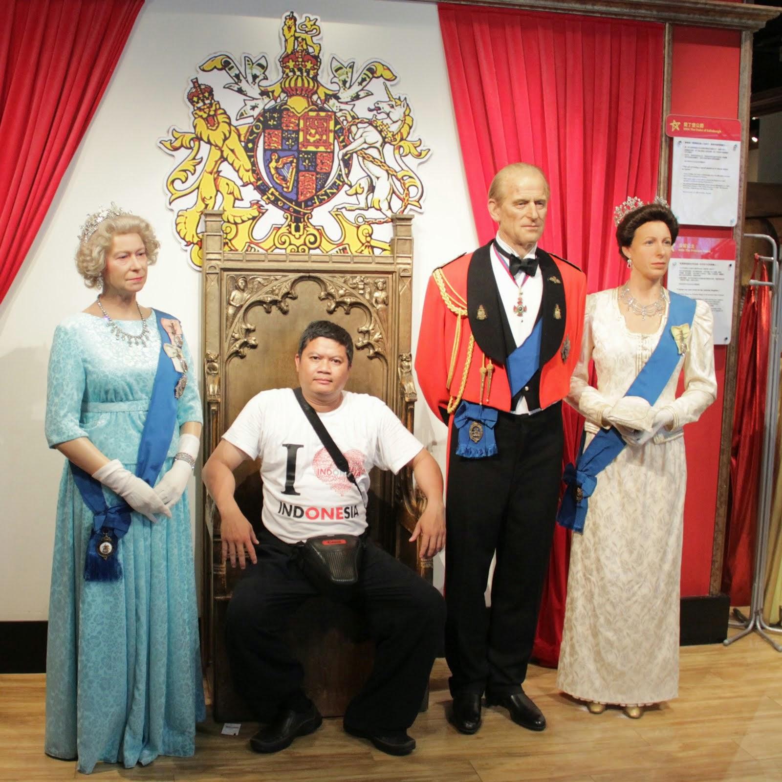 Bersama Keluarag Kerajaan Inggris