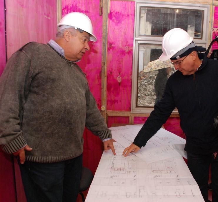 Secretário de Governo, José Carlos Cunha acompanha pessoalmente as obras de recuperação do Centro Administrativo