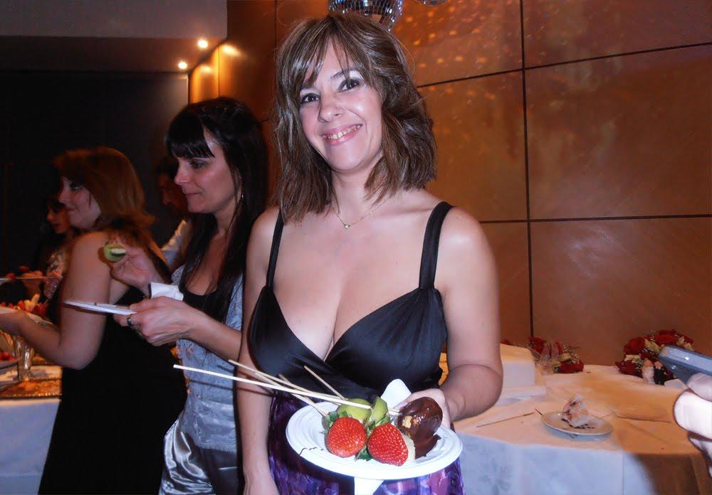 platos y dips palitos para cascada de chocolate