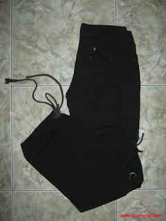 Quần kaki túi hộp đen